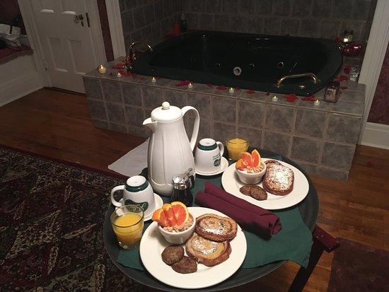Julia's Bed & Breakfast : photo0.jpg