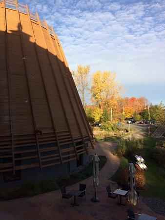 Wendake, Canada: une partie du musée vue de l'intérieur de l'hôtel