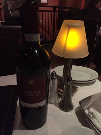 Ruth's Chris Steak House: Very good wine choice; recommended by our waiter