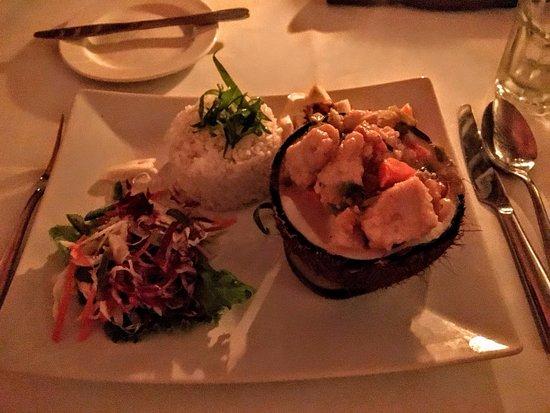 Paradise Cove Restaurant: Curried chicken dinner - yumm.