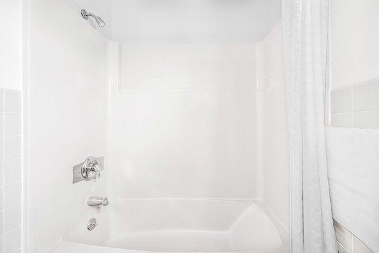Pine Grove, PA: Bathroom