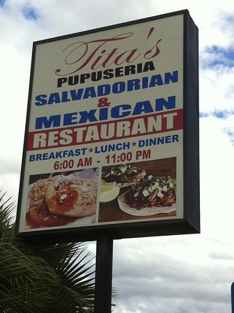Buttonwillow, Kalifornia: Tita's Pupuseria - Salvadoran and Mexican Food