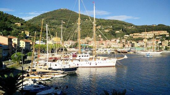 Albergo Nardini: Vue sur le port depuis la chambre 2