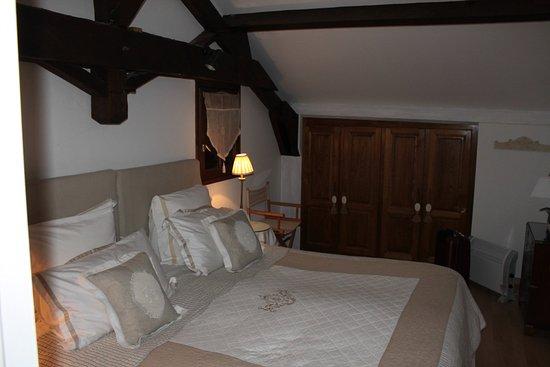 lit grande taille et confortable picture of la theroniere prayssac tripadvisor. Black Bedroom Furniture Sets. Home Design Ideas