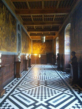 Ancy-le-Franc, France: Château d'Ancy le Franc
