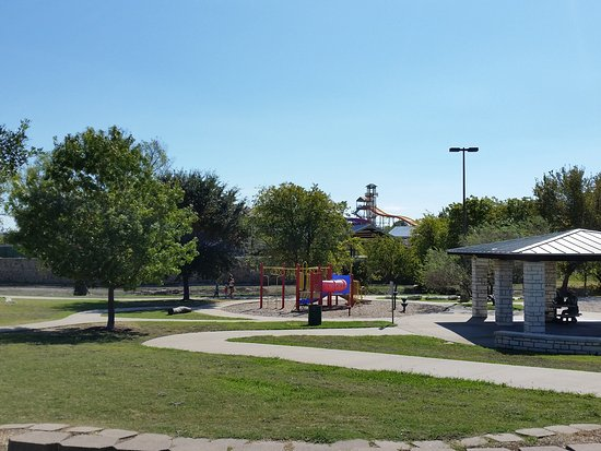 White Settlement, TX: playground and picnic area