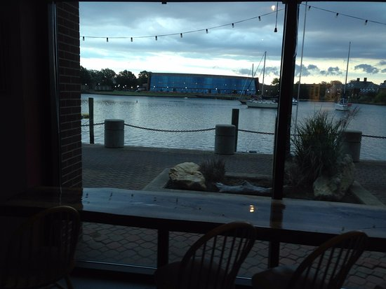 Bull Island Brewing Co: Gorgeous Views of the Waterfront