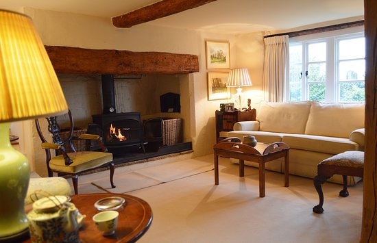Kemerton, UK: The Drawing Room