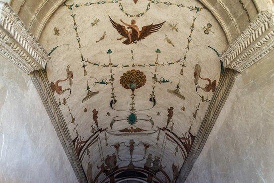 Chareil-Cintrat, Francia: La voûte du grand escalier
