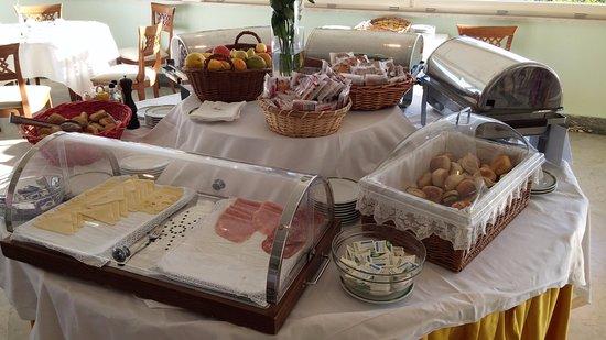 Grand Hotel Vesuvio: Breakfast hall