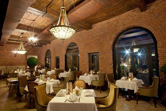 OHEKA Bar Restaurant