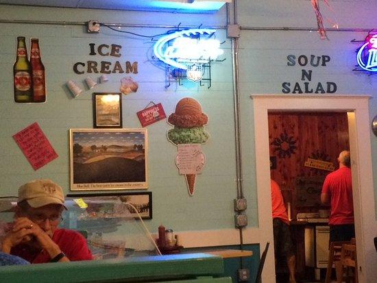Fayetteville, TX: View towards salad bar