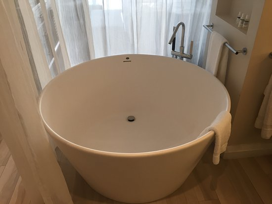 Ordinaire BodyHoliday Saint Lucia: Biggest Bathtub I Have Ever Used!