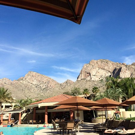 Hilton Tucson El Conquistador Golf & Tennis Resort: breakfast view by the pool
