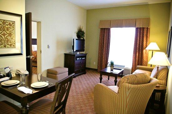 Homewood Suites by Hilton McAllen: Suite Dining Area