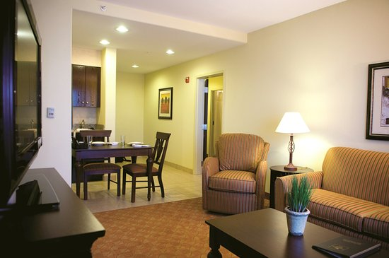Homewood Suites by Hilton McAllen: Two Bedroom Suite Living Room
