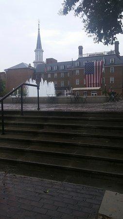 Alexandria, VA: the square on a rainy day