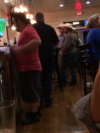 Round Top, Teksas: Starting to get crowded