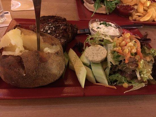 Eigelstein: Nice steak. Large portions.