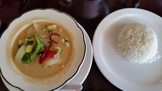 Maryville, MO: Delicious lunch specials at Simply Siam