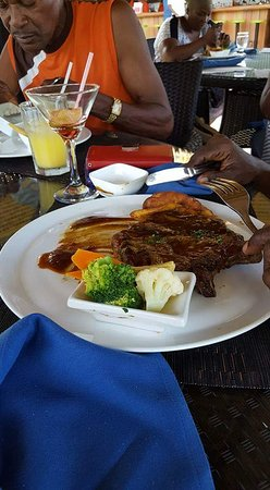 Coco Palm Resort: Yummy in my tummy
