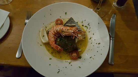 Davitts Restaurant: Medley de Peixe e Gamba
