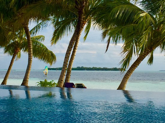 Vilamendhoo Island Resort & Spa: Relax in paradise