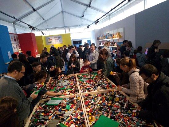 Fabbrica Del Salotto.Salotto Con I Lego Per Creare Picture Of Fabbrica Del