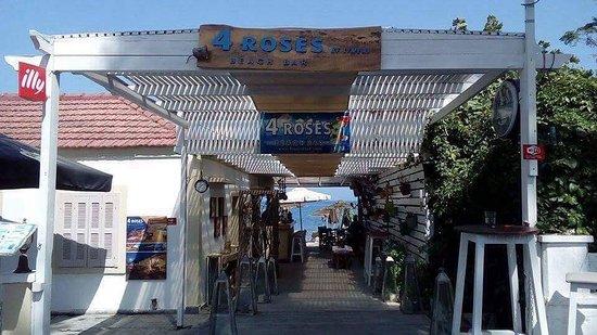 4 Roses Beach Bar