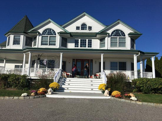 Eastport, NY: Decorated for Halloween