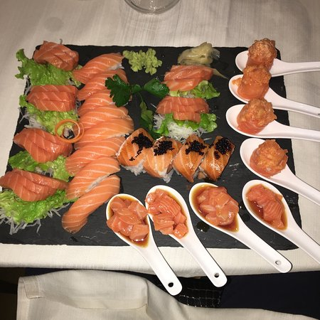 Belgirate, Italia: Golden Sushi