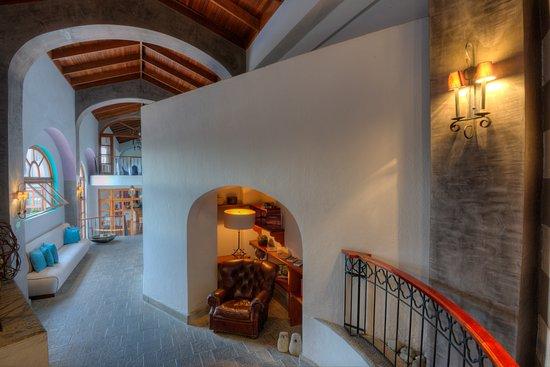 Hotel Alta Las Palomas Photo