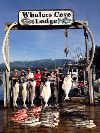 Whalers Cove Lodge: Happy Fishing Moments!