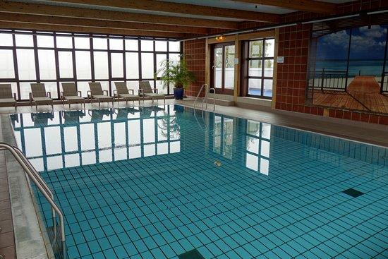 Swimming pool bild von mercure hotel offenburg am for Schwimmbad offenburg offnungszeiten