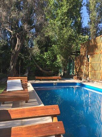 Cerro Del Valle Hotel Rustico: Desayunando al aire libre junto a la pileta!