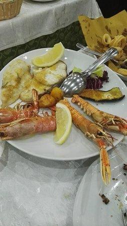 Collevecchio, Italie : In questo locale e meglio scegliere i numerosi menu fissi , offrono di tutto e tutto buono ,dall