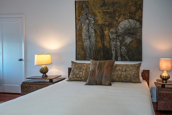 Haverstraw, NY: Roma Room's King Size bed with hand painted pillows. Photo: Dorice Arden