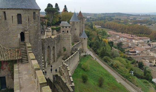 la visite du ch teau picture of chateau et remparts de la cite de carcassonne carcassonne. Black Bedroom Furniture Sets. Home Design Ideas