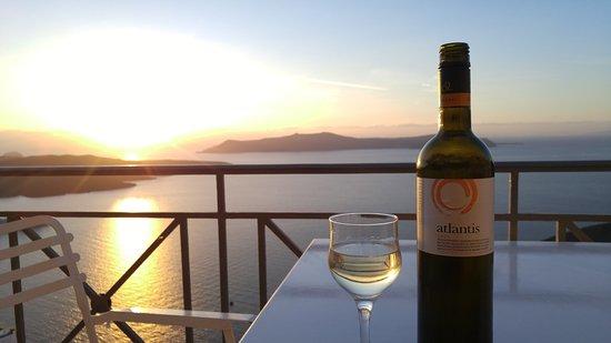 فيلا رينوس: View of sunset from balcony