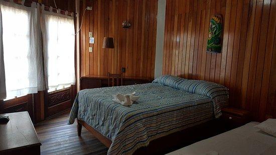 Hotel and Restaurant Sherwood: Habitación Sencilla. Agradable y cómoda.