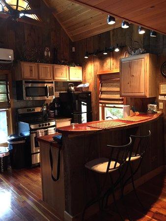 Cedar Crest Lodge & Cabin: photo1.jpg
