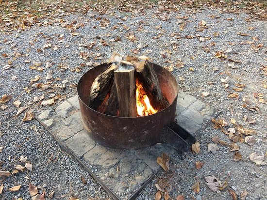 Lincoln State Park: firepit