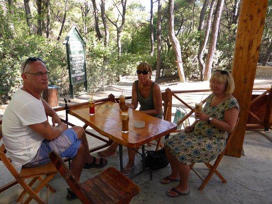 Kolimbia, اليونان: Frappe mm på tavernan