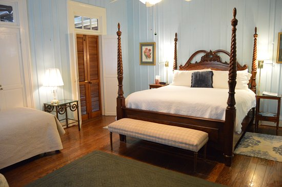 Open Gates B&B: Island Room