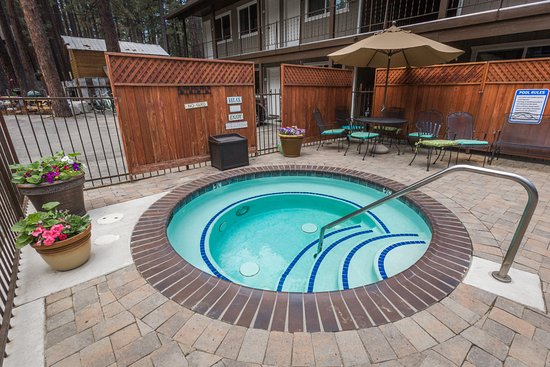 Alder Inn: Hot Tub Open All Year