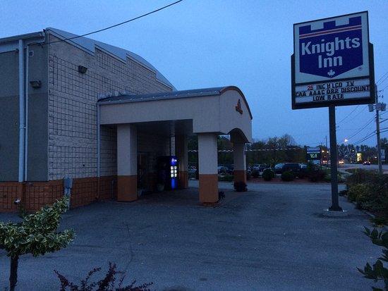 Knights Inn Orillia: photo6.jpg