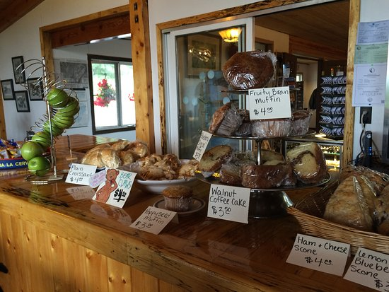 Mary's Mckinley View Lodge: Sweet and savory counter