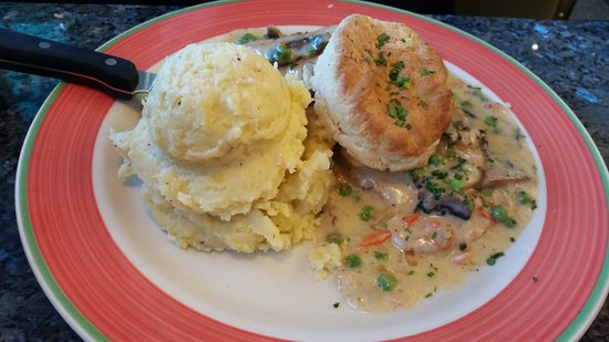 Brewster, NY: Chicken and Biscuits