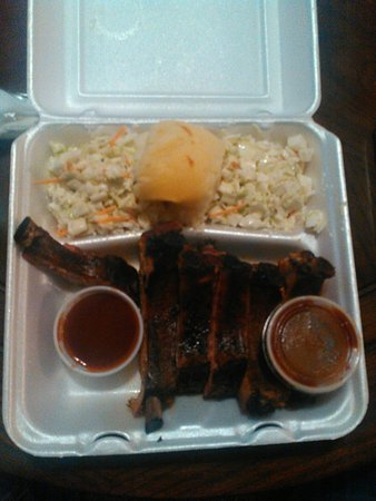 Crossett, AR: Half rack with double coleslaw