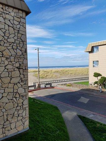 Ebb Tide Oceanfront Inn: Partial view king room